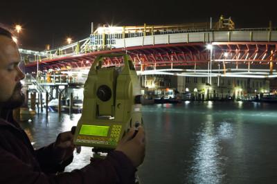 Cantieristica: Venezia, Quarto Ponte sul Canal Grande, di Santiago Calatrava, Collaudo